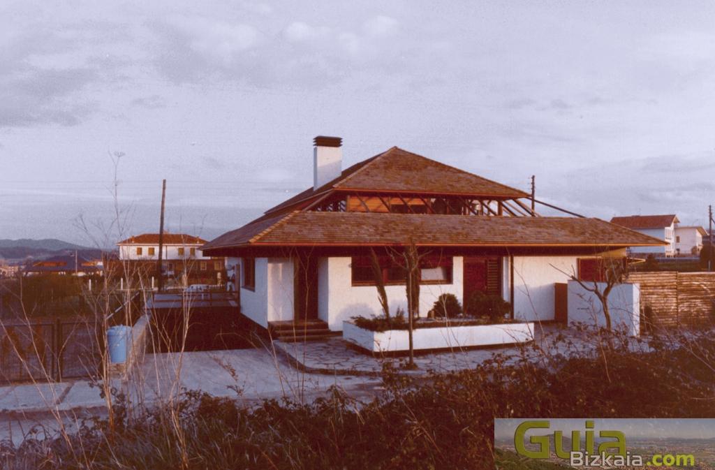 Gran bilbao getxo for Casas techos cuatro aguas